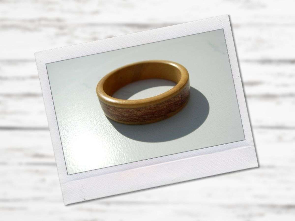 Turning a Wood Ring with Veneer Inlay